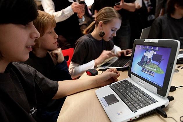 Social Networking Websites - Parents, Kids & Online Safety