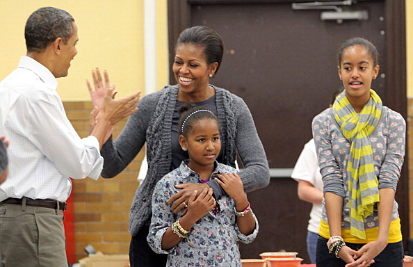 First Lady Michelle Obama, U.S. President Barack Obama and daughters Malia and Sasha